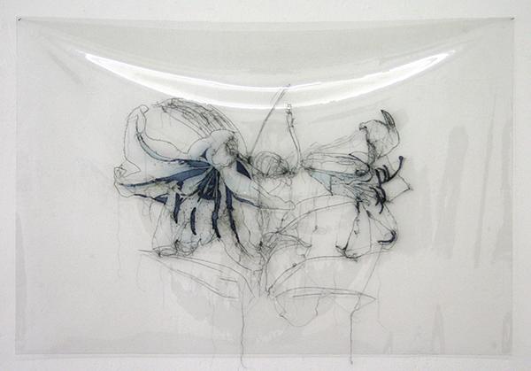 Saminte Ekeland - Lily - 92x138cm Borduursel met polyesther, acryl nylon en garen