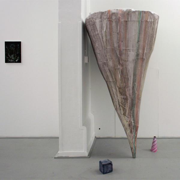 Sander van Deurzen - Zonder Titel (3Beelden) - 200x100x100cm Olieverf op papier