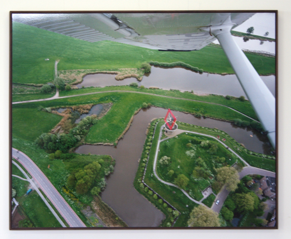 Scarlett Hooft Graafland - Aerial View Red Windmill - Foto