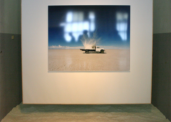 Scarlett Hooft Graafland - My White Knight - 120x150cm Foto