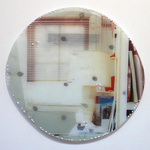 Ton van Kints - Dit is geen reflectie II - 60cm Ddlak, folie en glas