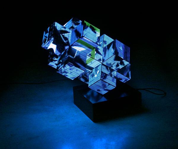 Woody van Amen - Lina - 100x90x25 LED object