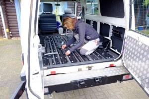 LOST TRACK Reiseblog Toyota Land Cruiser HZJ 78 Innenausbau Fußbodenisolation