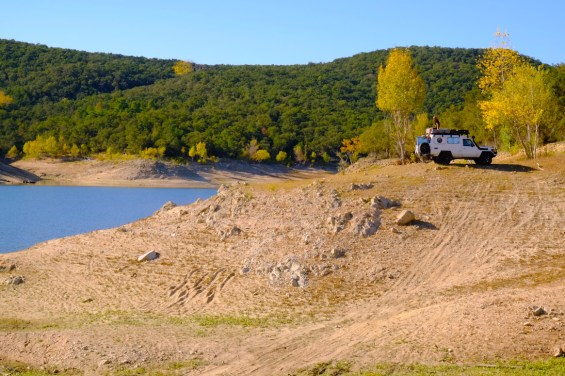 LOST TRACK Reiseblog Pyrenäen Spanien Toyota Land Cruiser offroad wild camping Sonnenaufgang Pantà de Boadella Figueres