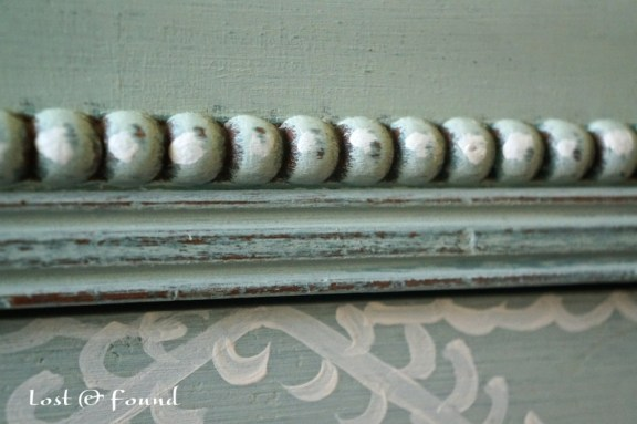 Painting-Furniture-with-Annie-Sloan-Chalk-Paint-6