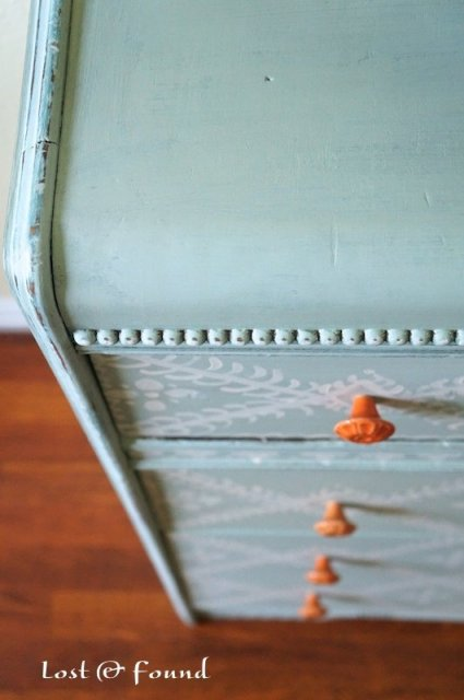 Painting-Furniture-with-Annie-Sloan-Chalk-Paint-4