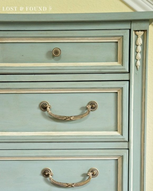 one-day-painting-with-chalk-paint-makeover-7