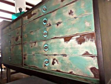 Painting-Furniture-With-Chalk-Paint-22
