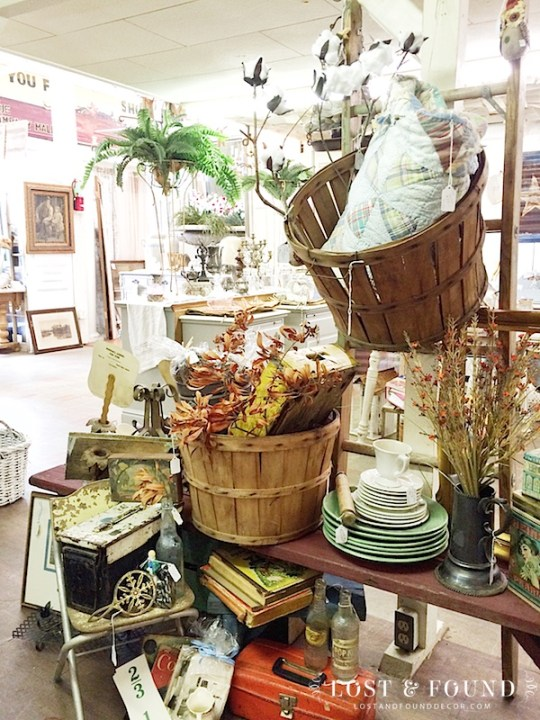 antique booth vintage fall display
