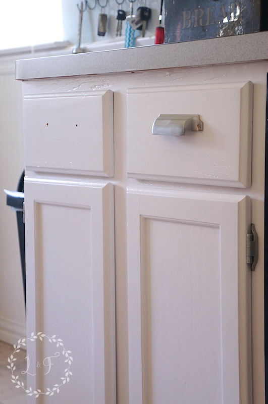 what type of paint is good for cabinets?