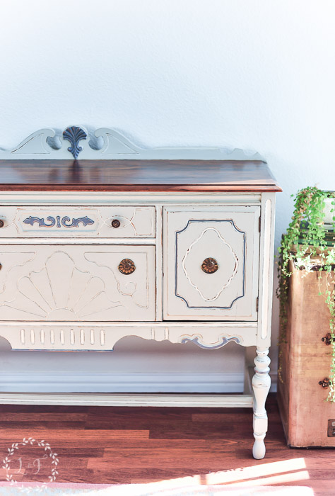 fusion-mineral-paint-antique-buffet-detail