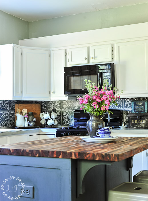 kitchen-makeover-faux-patterned-tiles