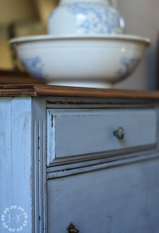 Look At The Perfect Aged Finish That You Get So Easily With Milk Paint