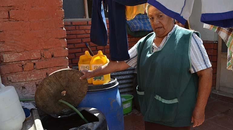 Cisternas noticias ambientales cochabamba for Poca presion de agua