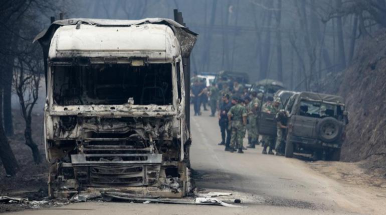 Vehiculos Incendiados Por El Fuego En Portugal Efe