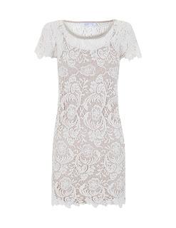 vestido-corto-de-encaje-blanco
