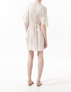 vestido-corto-suelto-blanco-zara