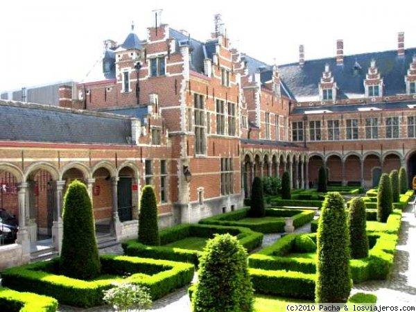 Palacio de Margarita de Austria, Malinas - Fotos de Belgica ...