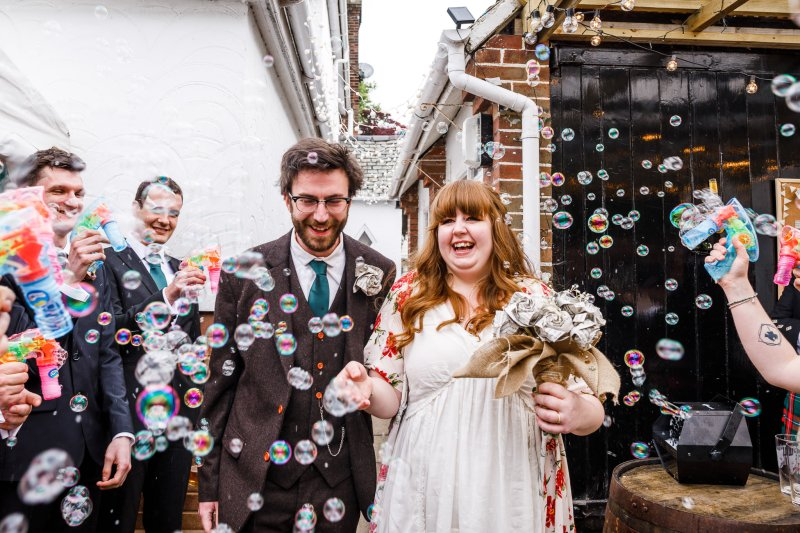 Bubbles wedding confetti