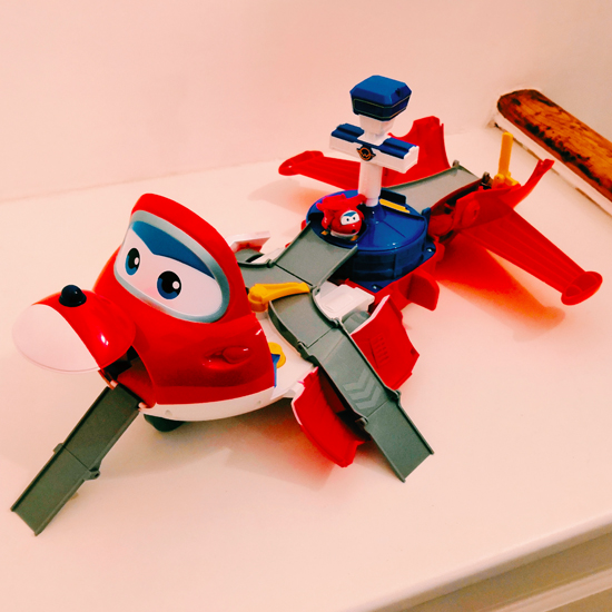 Super Wings Jetts takeoff tower