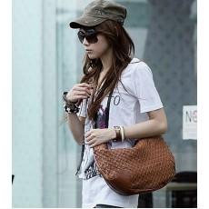 กระเป๋าสะพาย แฟชั่นเกาหลี ผู้หญิง หนังสานน่ารักใช้ได้ทุกวัย นำเข้า สีน้ำตาล - พร้อมส่งIS169 ราคา625บาท