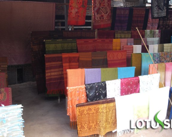 Luang Prabang Weaving Village Tour