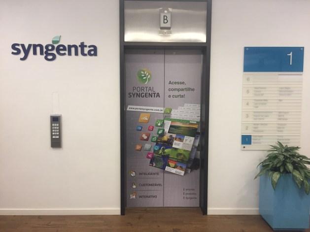 adesivo-personalizado-para-elevador