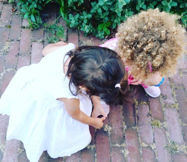 twee kleine kinderen