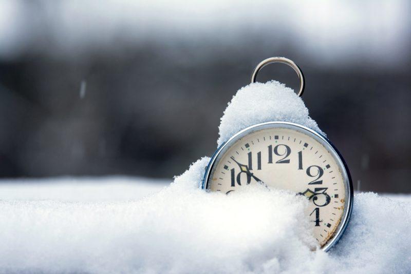 hoe bereid je kinderen voor op de wintertijd
