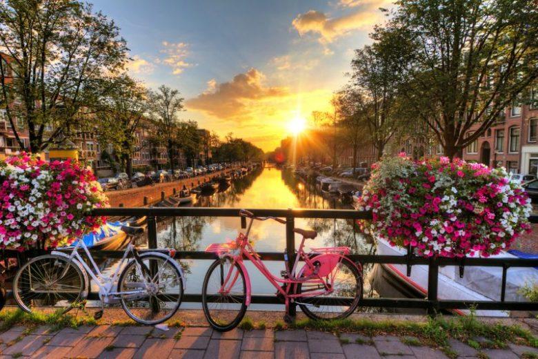 Bedrijfsuitje in amsterdam tour fiets escaperoom