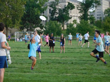 Discuss throwing, aka ultimate frisbee