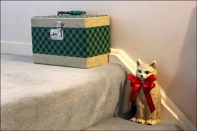 cat-door-stop-and-sewing-bo