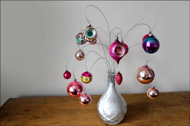 diy ornament display using wire and salt