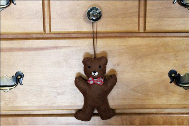 handmade-felt-teddy-bear-or
