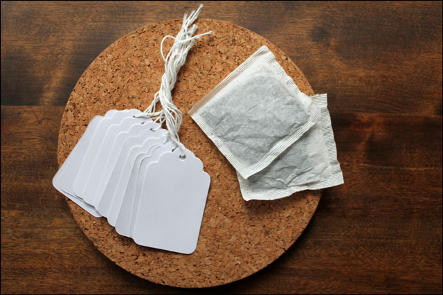 using-tea-to-age-paper
