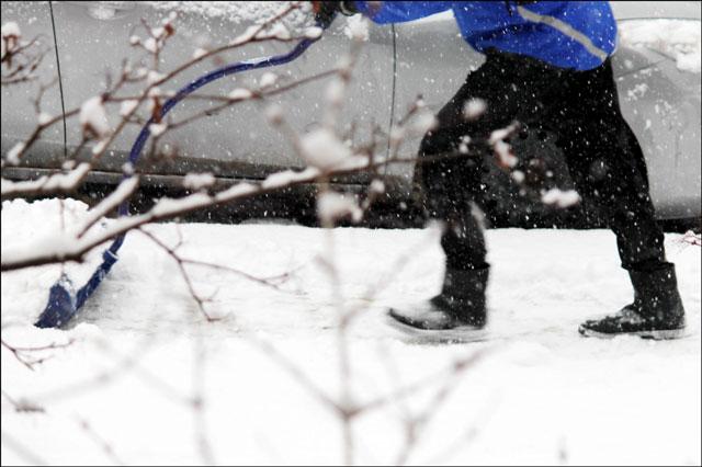 nick-shoveling-snow-2