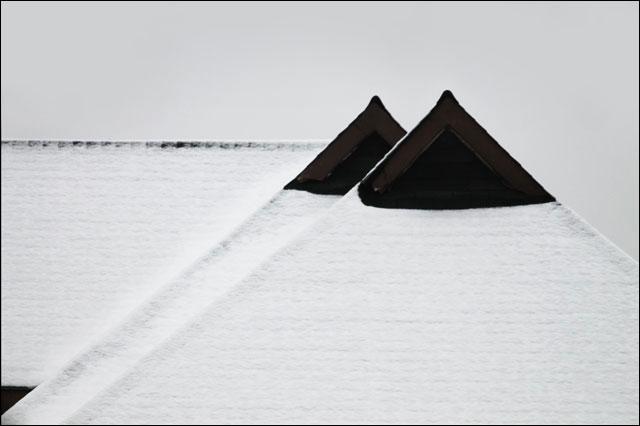 snowy-peaked-roof