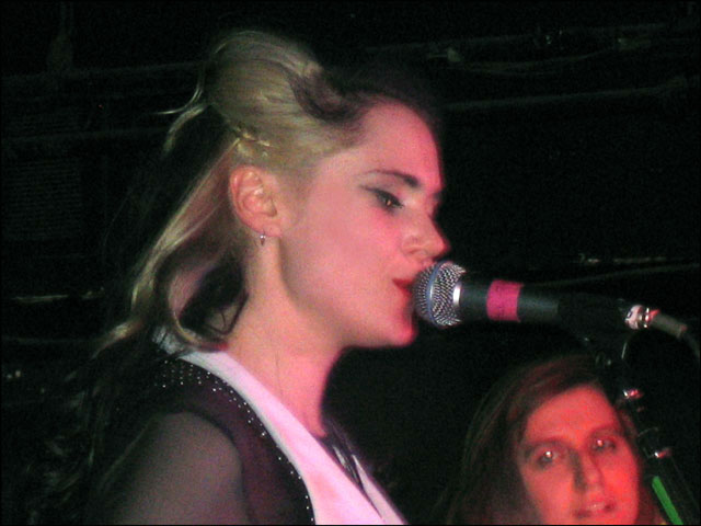 kate-nash-toronto-mar-13-04