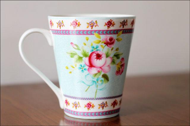 pretty-china-mug