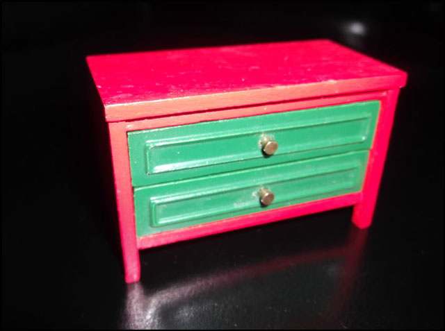 red-wooden-dresser-dollhous