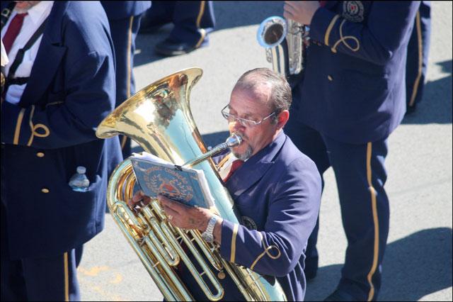parade-musicians