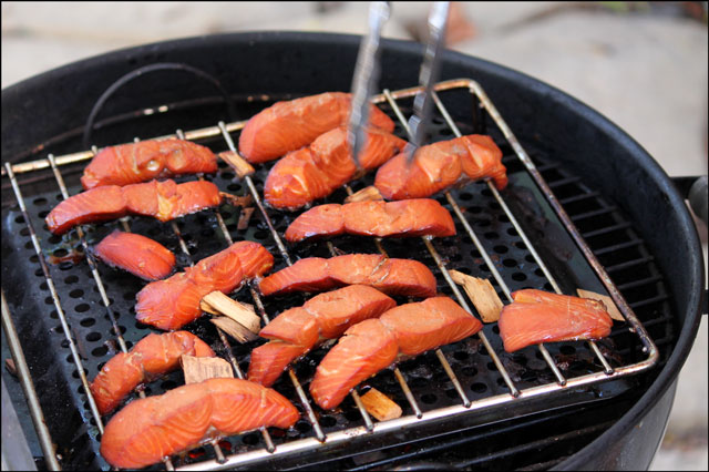 smoking-salmon-on-a-weber-charcoal grill