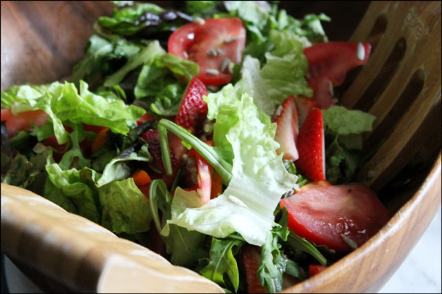 strawberries-in-a-tossed-salad