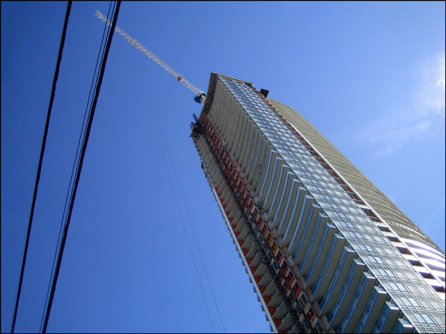 tall-building-with-crane