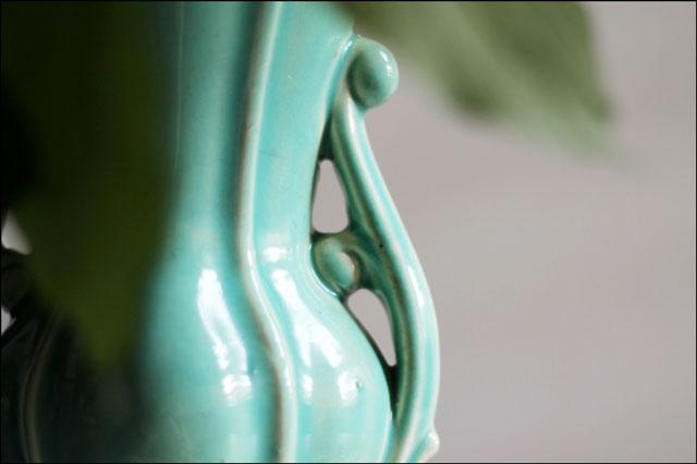 mccoy-vase-handle