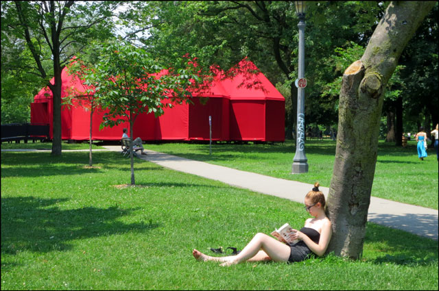 red-tent-in-the-park-02