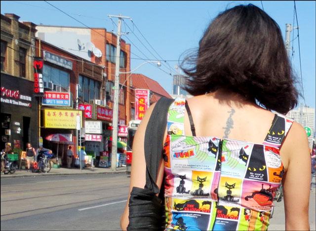 cat-dress-in-china-town toronto