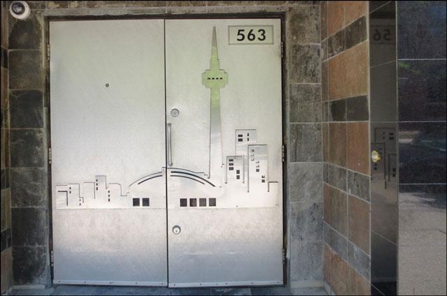 city-skyline-on-a-door