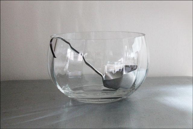 glass-salad-bowl-and-soup-ladle