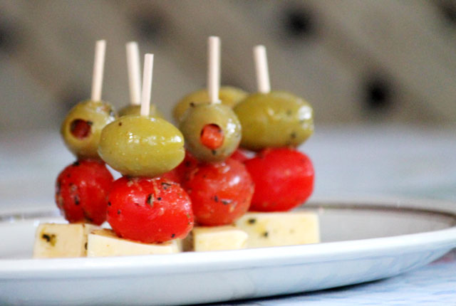 marinated cheese olive and tomato hors d'oeuvres